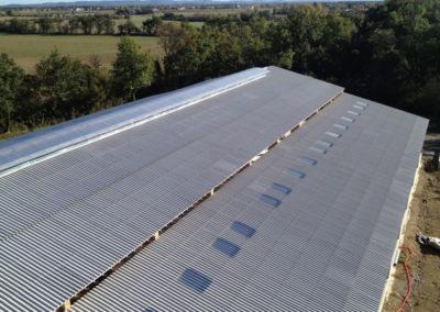 Couverture en tôle fibro ciment batiment agricole à Seysses (31)